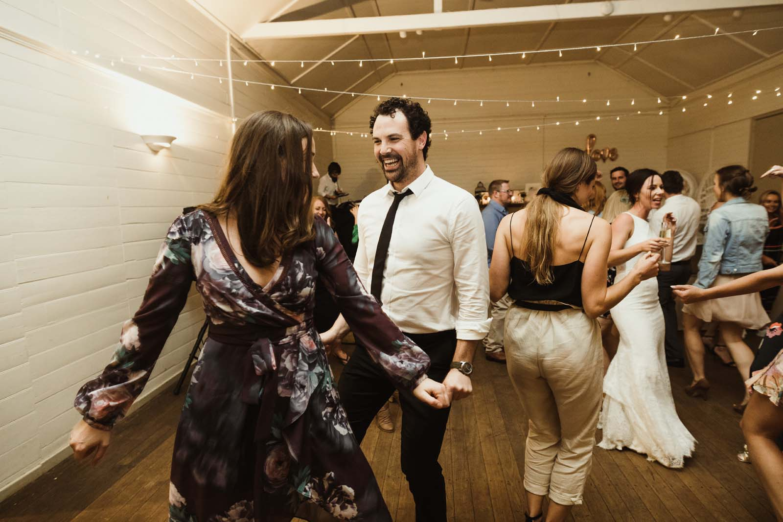 byron_bay_ewingsdale_hall_wedding_photography_00104