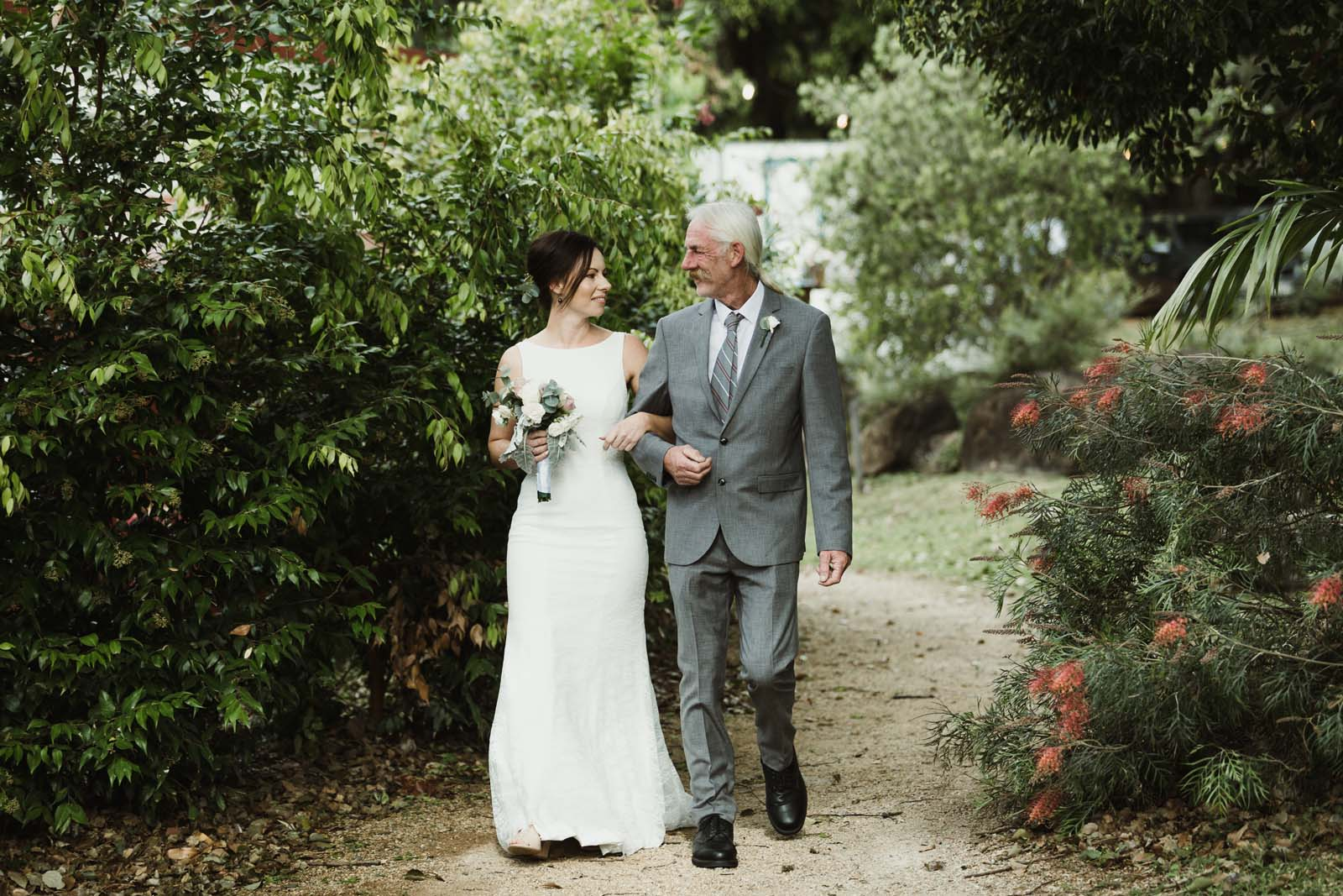 byron_bay_ewingsdale_hall_wedding_photography_0017
