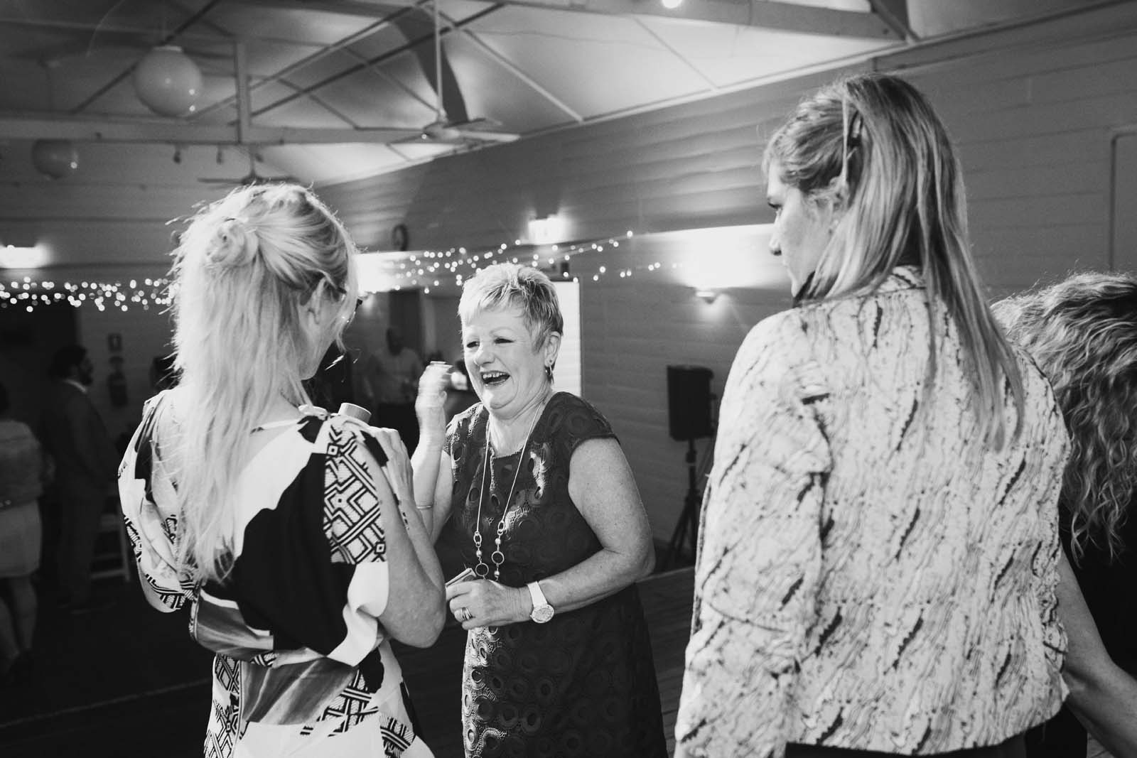 byron_bay_ewingsdale_hall_wedding_photography_0095