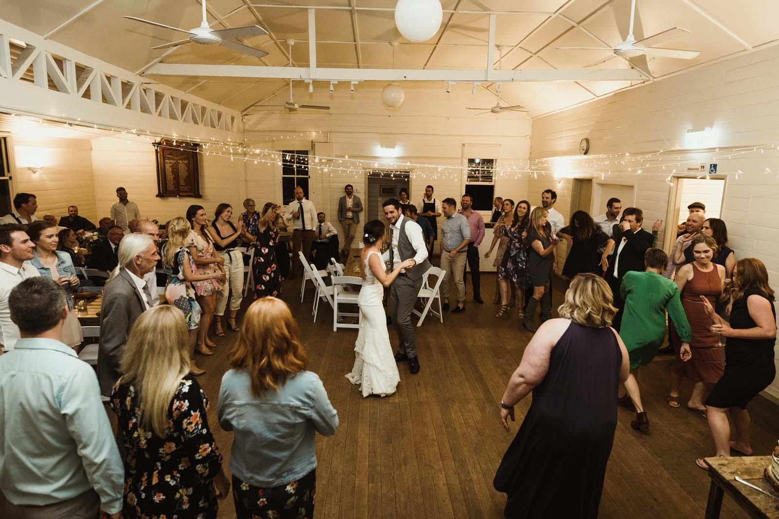 byron_bay_ewingsdale_hall_wedding_photography_0099